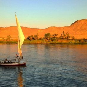 Facts about the Nile River
